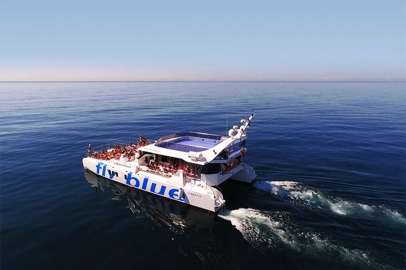 gran catamarán para fiestas en málaga